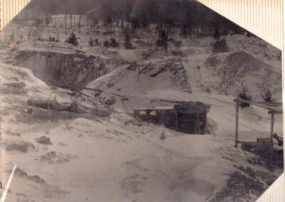 01 1rst mine shaft open 1904