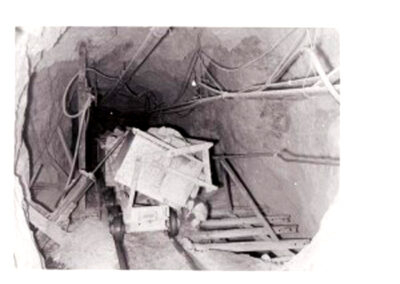 03 mine ore cars dumping station