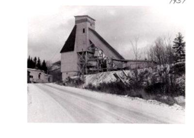 08 headframe, ore bins and hoist house