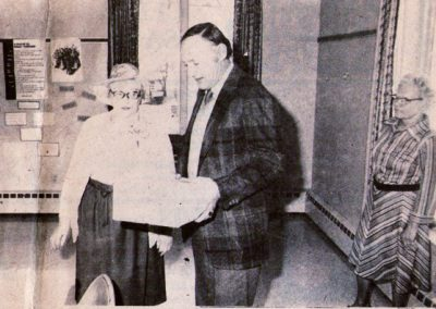 Anna Hutchins, and Del Barrows, Laura Green